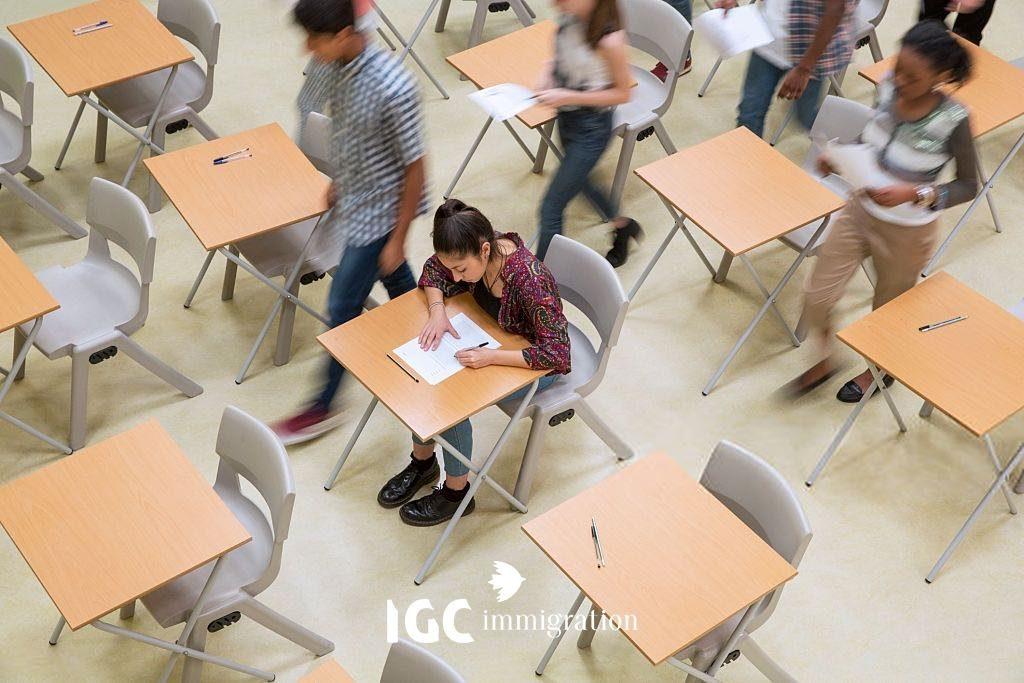 Bận cần chứng chỉ IELTS và TOEFL nếu muốn du học ở Canada