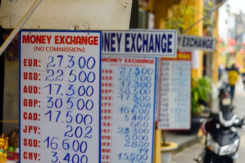 dịch vụ chuyển đổi tiền Việt Nam sang tiền Canada khi đi định cư