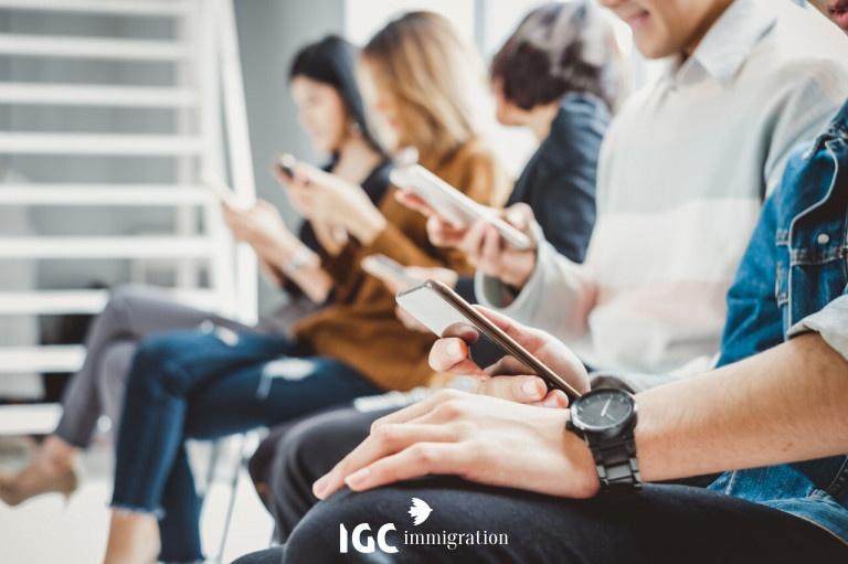Ứng dụng và trang web xem múi giờ bằng điện thoại